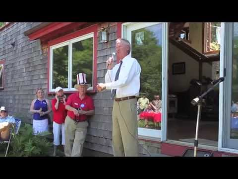 Former Rhode Island Gov Lincoln Chafee campaigns in NH