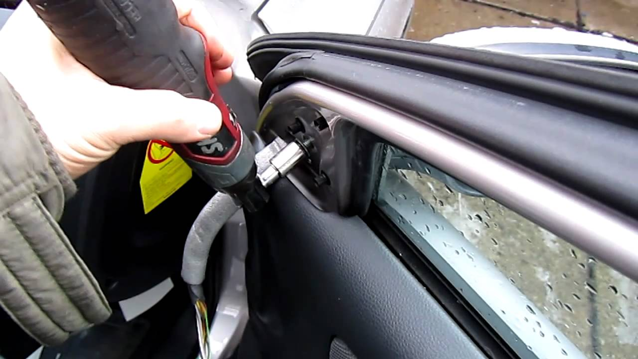 2002 volvo V70 T5 door mirror removal tips - YouTube
