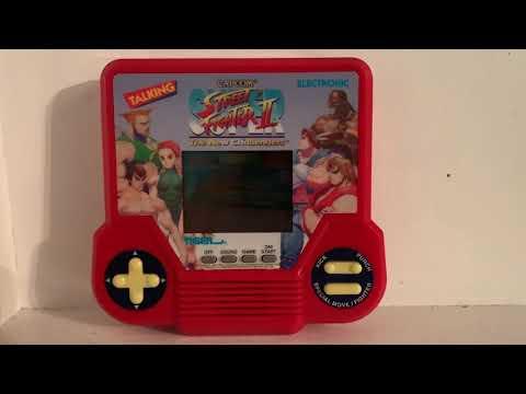 Rare Vintage 1994 Tiger Electronics Capcom Super Street Fighter II 2 Handheld LCD Game