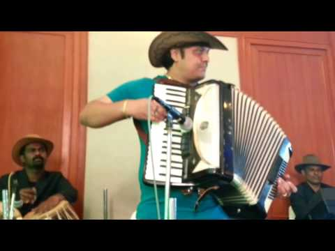 sj prasanna playing hindi film song instrumental jiya ho on accordion (09243104505)