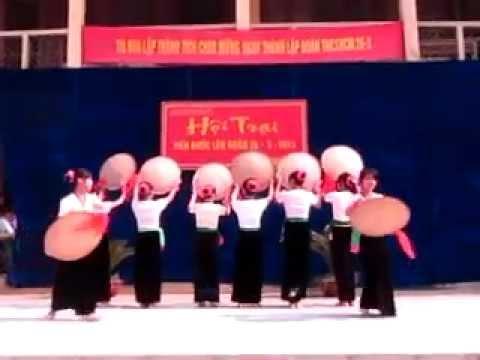 Múa Nón Thái Tây Bắc