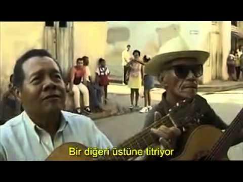Küba'nın Arka Sokaklarında Sevgiliye Serenat