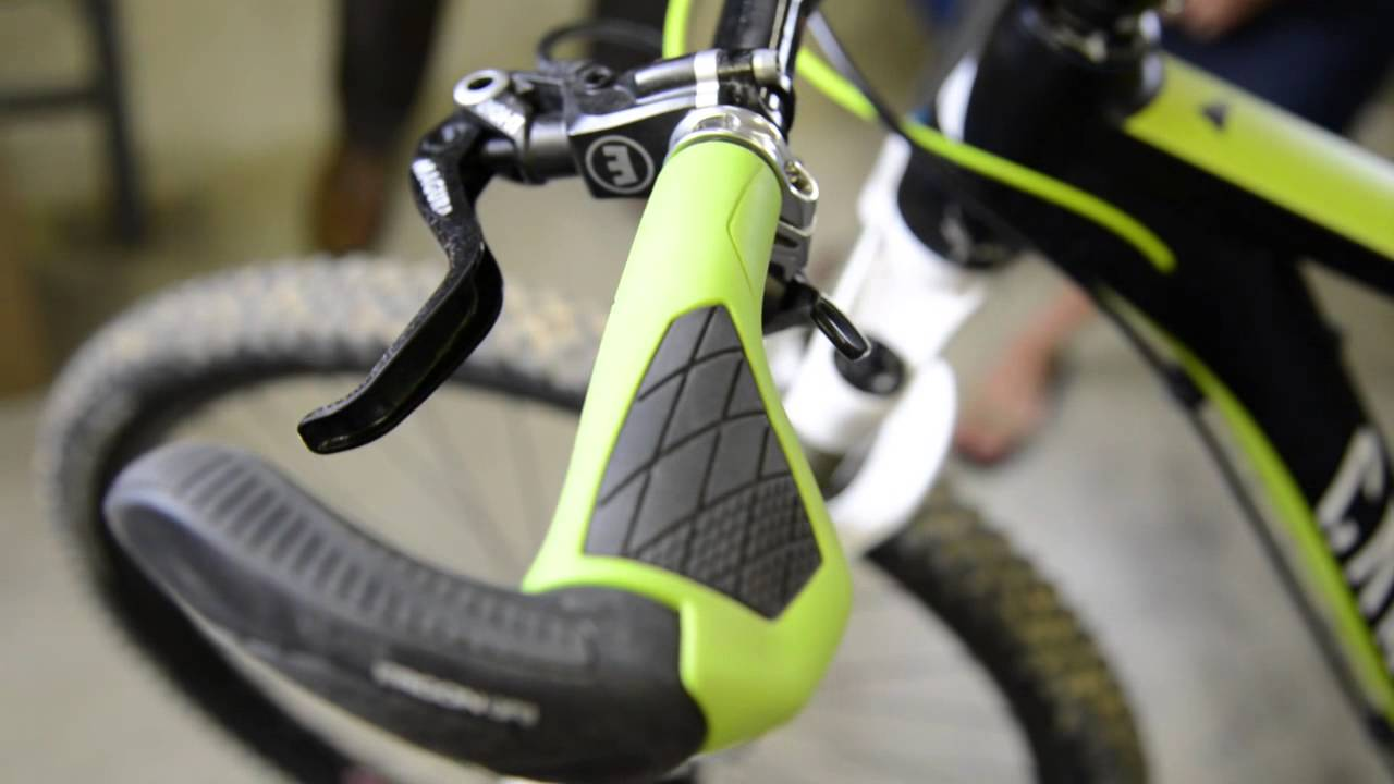 Black//Green Velo Locking Bicycle Handebar Grips