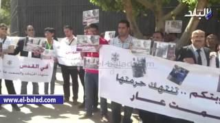 بالفيديو والصور.. فلسطينيون يتظاهرون أمام الجامعة العربية للتنديد بالانتهاكات الإسرائيلية للأقصى