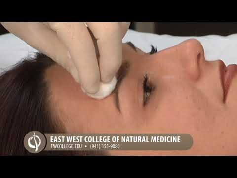 Natural Healing with Oriental Medicine: Facial Treatments