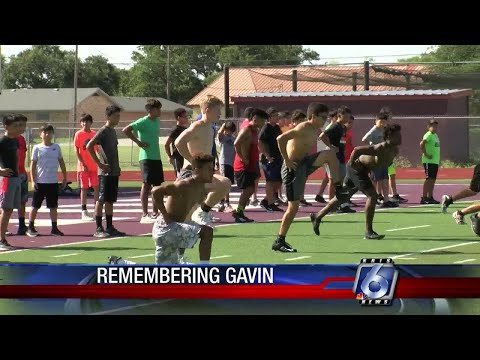 Sinton High School football team remembers slain player as hard worker, good dancer