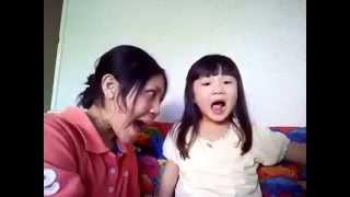 Dhong2 lagi belajar nyanyi lucuu