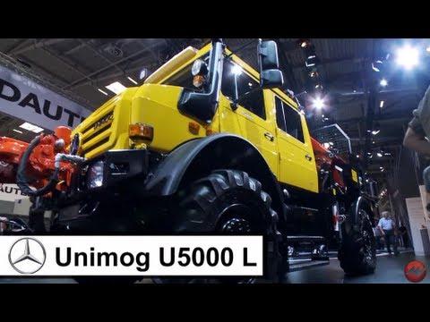 Unimog U5000,  VW Amarok und Mercedes Arocs auf der Bauma 2013
