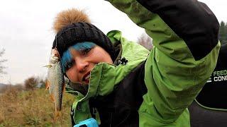 КАК ЛОВИТЬ ПЛОТВУ глубокой ОСЕНЬЮ Рыбалка на фидер 213