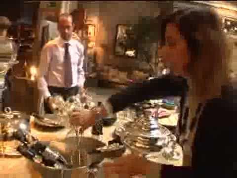 Becara te muestra c mo vestir tu mesa en navidad youtube for Mesas de comedor becara