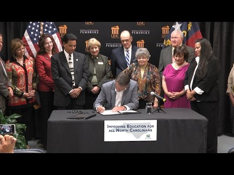 Governor Pat McCrory signs American Indian Education Legislation at UNC Pembroke