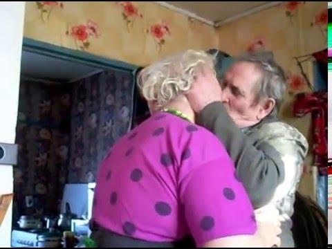 Бабушка еботся с внуком