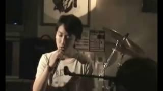シンガポール人が渋谷でカバーした小沢健二のいちょう並木のセレナーデ.
