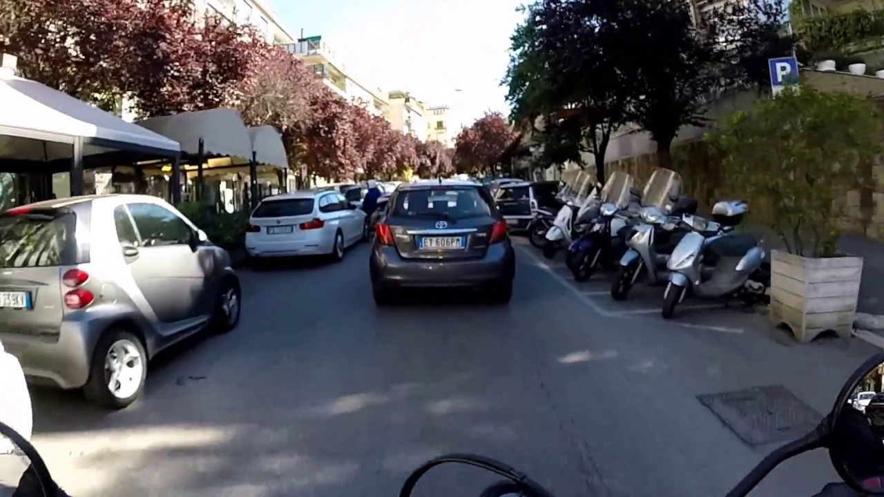 Scrambler Ducati Sixty2 Review By Ducati Roma Youtube