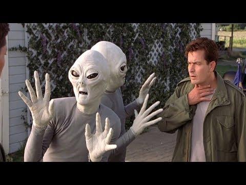 外星人拿错了录像带,把贞子的录像带全球直播,差点被贞子灭了种
