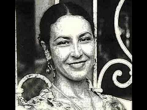 Amparo Ochoa  -México-. Viene la muerte echando rasero
