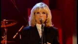 Nancy Sinatra & Jarvis Cocker - Don't Let Him Waste Your Time (live)