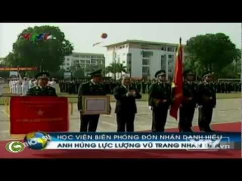 Ông Nguyễn Sinh Hùng trao danh hiệu anh hùng LLVTND cho HV Biên Phòng