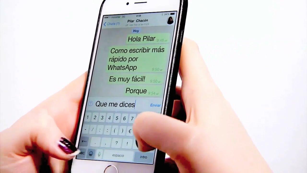Resultado de imagen para persona escribiendo en su celular