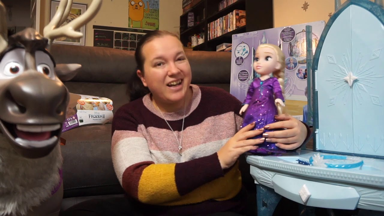 Frozen 2 Jakks Playdate Sven, Elsa doll and Vanity review #AD #GIFTED