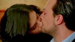 ? Very Romantic kiss ? Seans
