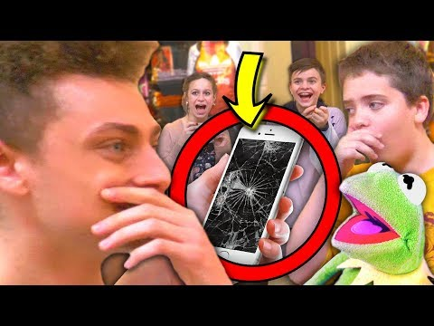 Fans FREAK OUT over Best In Class Mom Voice! (LITERALLY BREAKS PHONE)