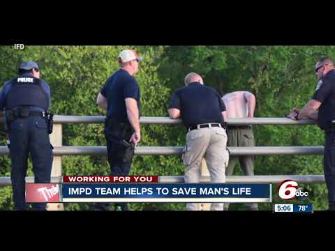 IMPD crisis team saves man threatening to jump from Indy bridge
