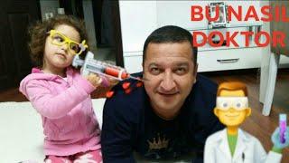 Çatlak Doktor Ecem Hasta Babasını Muayene Ediyor ~ Çok Komik