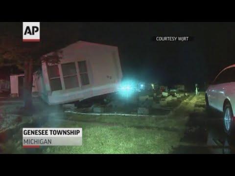 Tornado damages dozens of Michigan homes