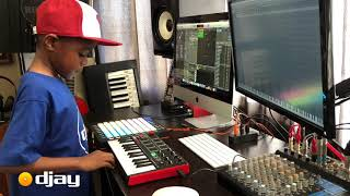 Gambar cover DJ Arch Jnr Creating a House Beat In His Mini Studio Setup (7yrs old)