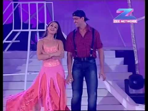 Thumbnail: Hrithik Roshan and Preity Zinta Performing a dance at the Zee Cine awards function