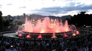 Поющие и танцующие фонтаны в Барселоне. Часть 1.(Небольшое видео о поющих и танцующих фонтанах на горе Монтжуик в Барселоне. Незабываемое зрелище., 2011-08-05T07:18:38.000Z)