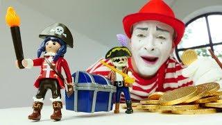 Іграшка пірати і корабель іграшки: смішні відео для дітей з веселим клоуном - постарайся не сміятися
