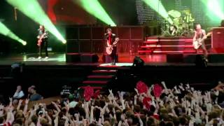 Green Day - Holiday  Live (Bullet In A Bible) 2005
