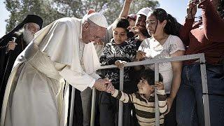 بابا الفاتيكان يدعو العالم الى التعامل مع اللاجئين والمهاجرين بطريقة كريمة وإنسانية   16-4-2016