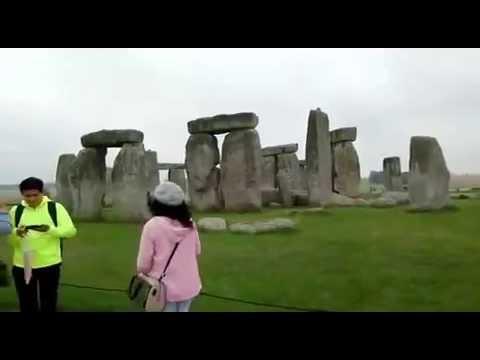 Stonehenge : Prehistoric Monument in England