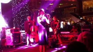 monita the nightingales memulai kembali live performance at sundaymarketsby
