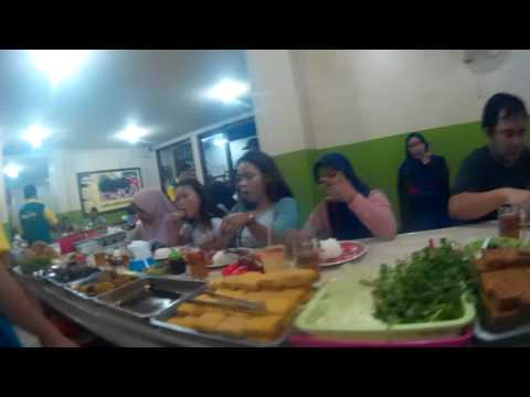 Ngintip di Warung Nasi Ibu Imas,  Bandung thumbnail