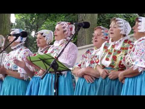 Piešťany: Folklór pod mušľou