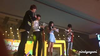 Video [FANCAM] Music Bank in Jakarta (Cha Eunwoo - ASTRO, Yerin - GFRIEND, Baekhyun - EXO) download MP3, 3GP, MP4, WEBM, AVI, FLV Desember 2017