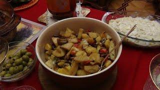 Картошка запеченная с чесноком и овощами в рукаве