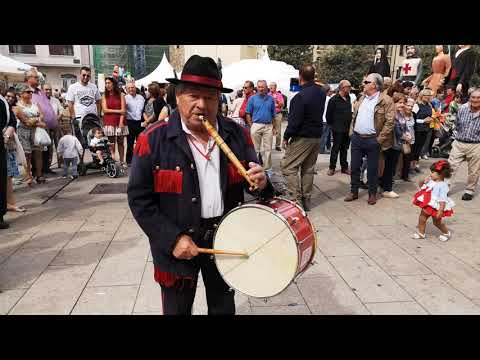 Fernando Fernandez homenajeado V encuentro tamboriteros Encina 19