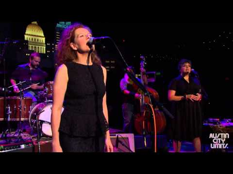 "Austin City Limits Web Exclusive: Neko Case ""Don't Forget Me"""
