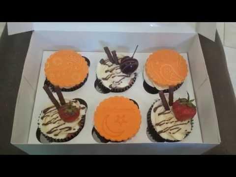 Special eid mubarak bespoke cupcakes