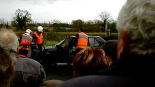 Démonstration de désincarcération d'un blessé dans un véhicule (2009).