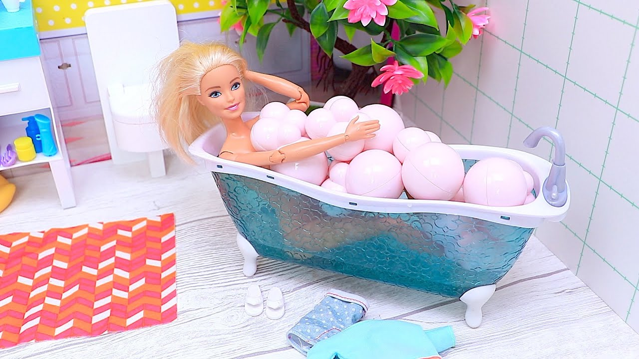Barbie Morning Routine with Pink Bubble Bath!
