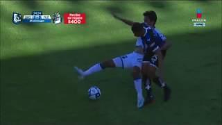 Casi expulsan a Alexis Pérez por codazo a Diego Abella | Querétaro vs Puebla