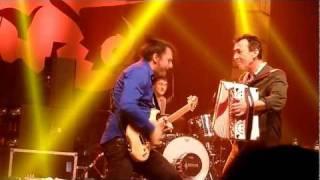 Hubert von Goisern - Brenna tuats guat - Live in Landshut/Essenbach am 3. Februar 2012 (HD)