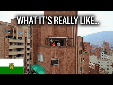 LIFE in Medellin (Laureles)