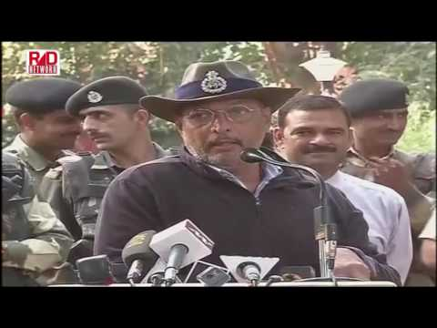 NANA PATEKAR AT INTERNATIONAL BORDER TO MOTIVATE BSF JAWAN